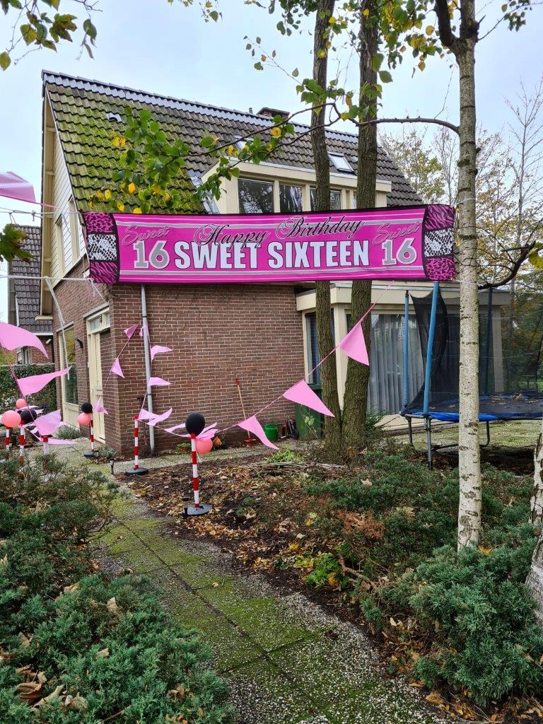 08-sweet-sixteen